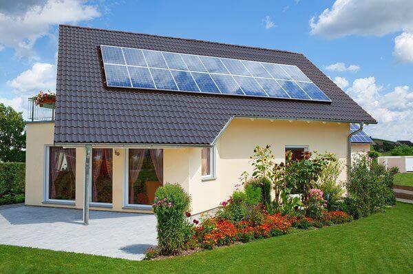Effektive Speicherung des Solarstroms vom Dach und die Nutzung von sauberem Strom rund um die Uhr – die Stadtwerke zeigen wie es geht!