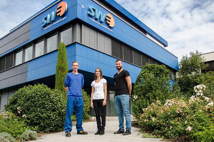 Fachkraft für Wasserversorgungstechnik, Kauffrau für Büromanagement und Mediengestalter Digital und Print – die neuen Azubis der Stadtwerke.