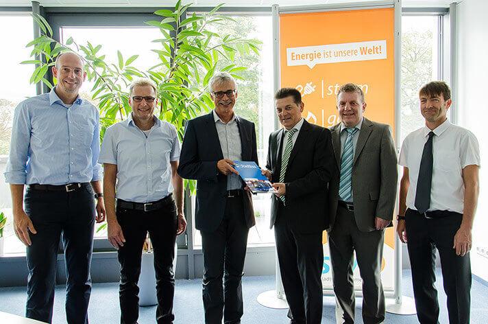SWE und SWEG unterzeichneten den ab Dezember 2017 gültigen Verkehrsvertrag.